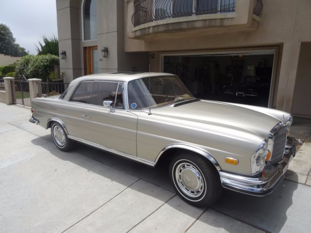 1971 Mercedes-Benz 200-Series 280SE