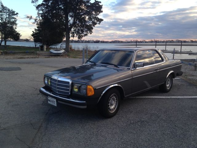 1983 Mercedes-Benz 300-Series 300 CD coupe
