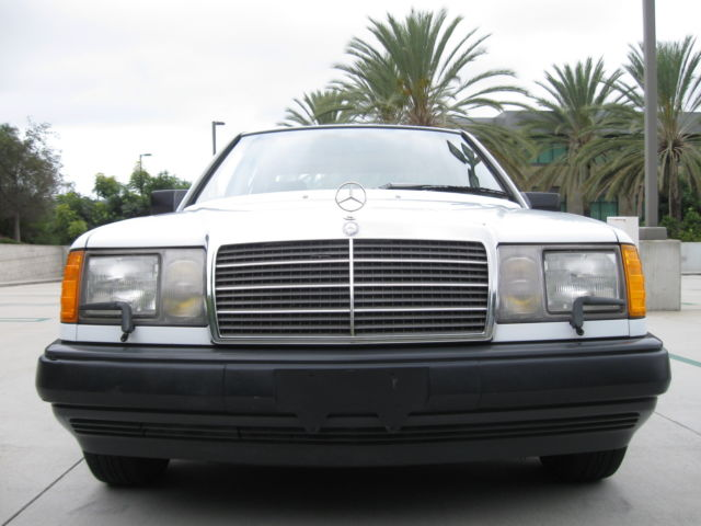 1986 Mercedes-Benz 300-Series W124 E300