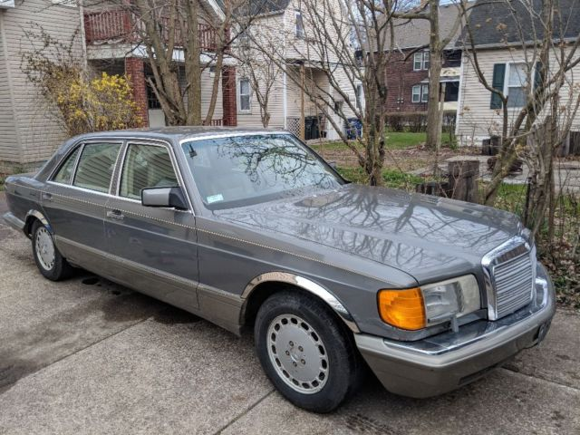 1990 Mercedes-Benz 500-Series 560SEL