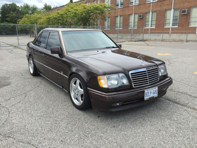 1994 Mercedes-Benz 400-Series