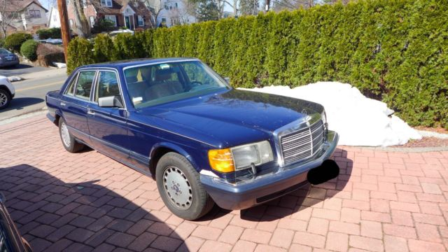 1990 Mercedes-Benz 400-Series
