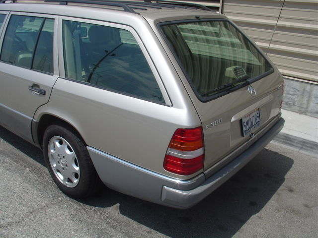 mercedes wagon 1994 e300d estate w124 300 diesel for sale photos technical specifications. Black Bedroom Furniture Sets. Home Design Ideas