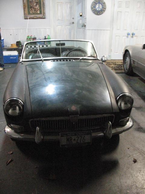 MGB 1967 BARN FIND PROJECT CAR