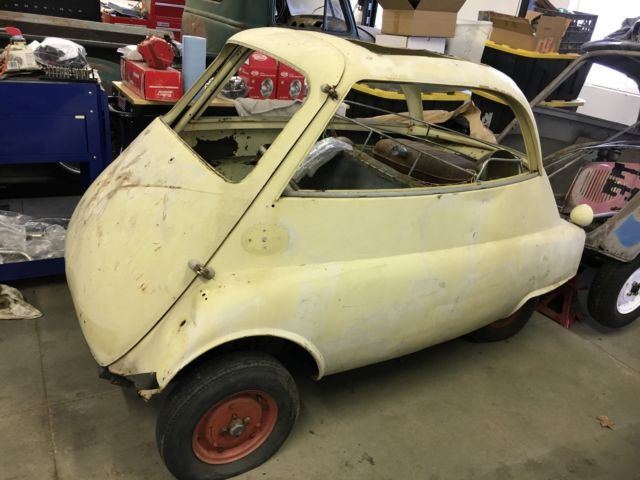 Micro Cars - Four 1957 BMW Isetta 300 Coupes / Parts for sale