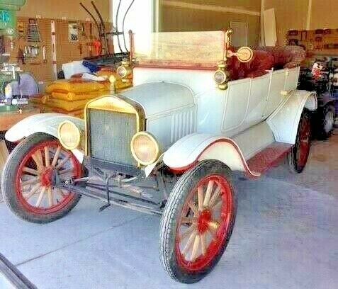 1918 Ford Model T Touring white body/red pin stripe