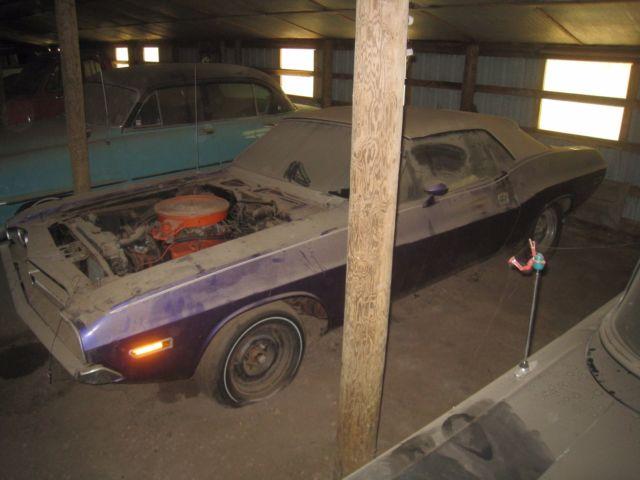 N96 Shaker Hood 71 Dodge Challenger Convertible 383 Auto Purple
