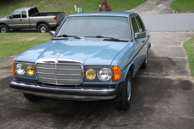 1981 Mercedes-Benz 200-Series 240d