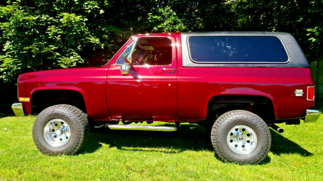 1987 Maroon Chevrolet Blazer SUV with Maroon interior