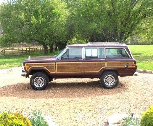 View Lifted 1988 Jeep Grand Wagoneer
