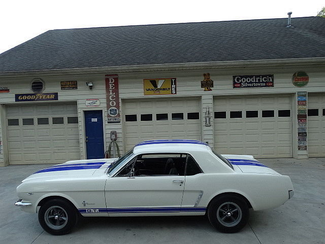 1965 Ford Mustang GT LOOK