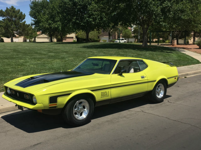 1972 Ford Mustang MACH 1 RARE FASTBACK YELLOW BLACK 302 V8
