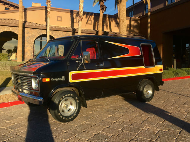 1977 Chevrolet G20 Van G10 G20 G30 HOTROD CHEVY GMC MINI SHAG SURVIVOR