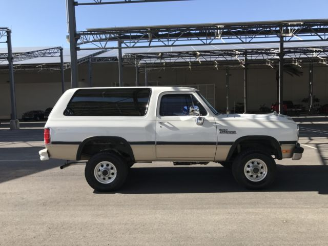 1993 Dodge Ramcharger Canyon Sport Sport Utility 2-Door