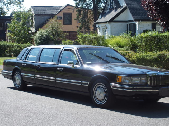 1991 Lincoln Town Car 4dr Sedan Ex