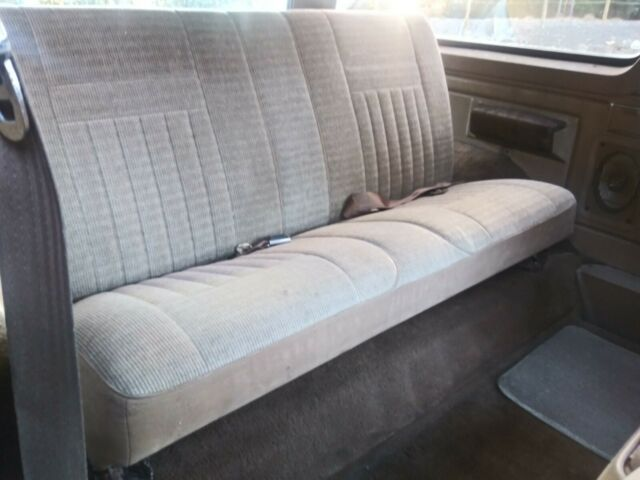 1989 Brown Ford Bronco XLT SUV with Tan interior