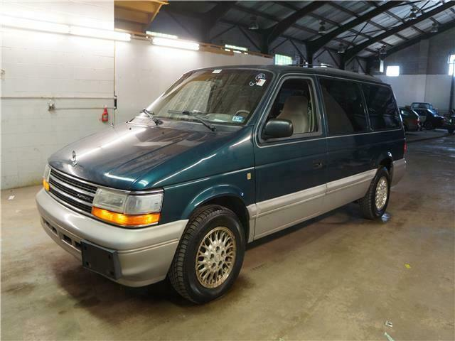 1994 Plymouth Voyager Grand SE