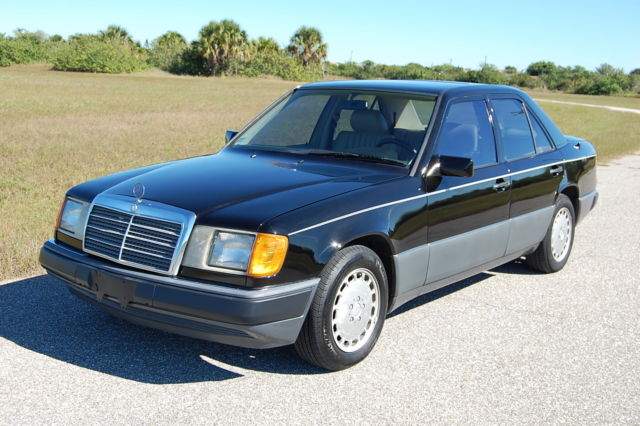 1992 Mercedes-Benz 300-Series 4dr Sedan
