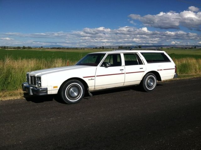 1977 Oldsmobile Custom Cruiser WAGON RAT ROD GLAMPING