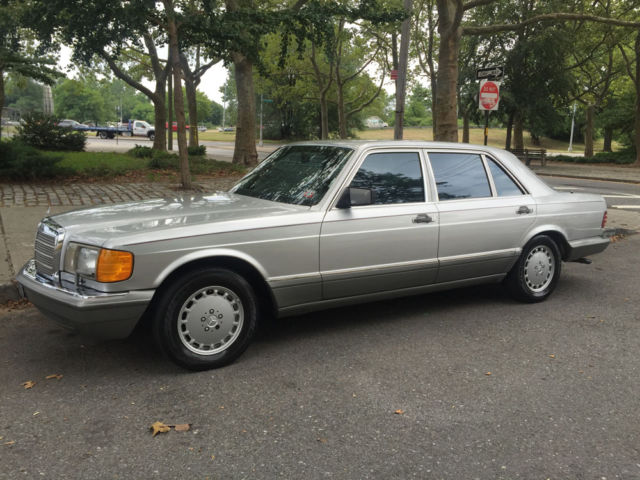 1989 Mercedes-Benz 400-Series 420 SEL