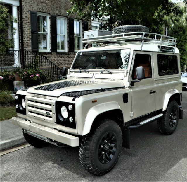 1987 Land Rover Defender Custom Leather Trim, AC,power Windows