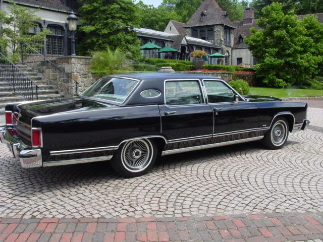 one owner 1979 lincoln town car garaged since new original. Black Bedroom Furniture Sets. Home Design Ideas