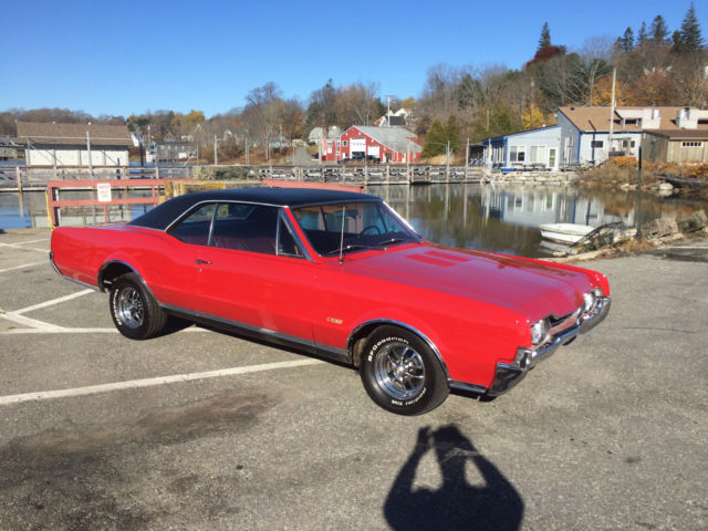 1967 Oldsmobile 442 Red Bucket Seats