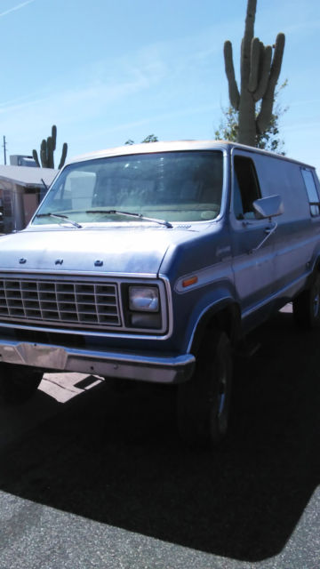 Pathfinder 4x4 Van Quigley Econoline