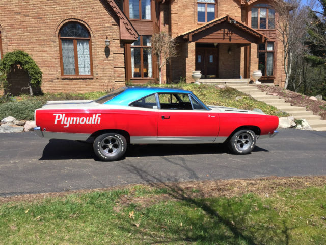 1968 Plymouth Road Runner Hemi Road Runner