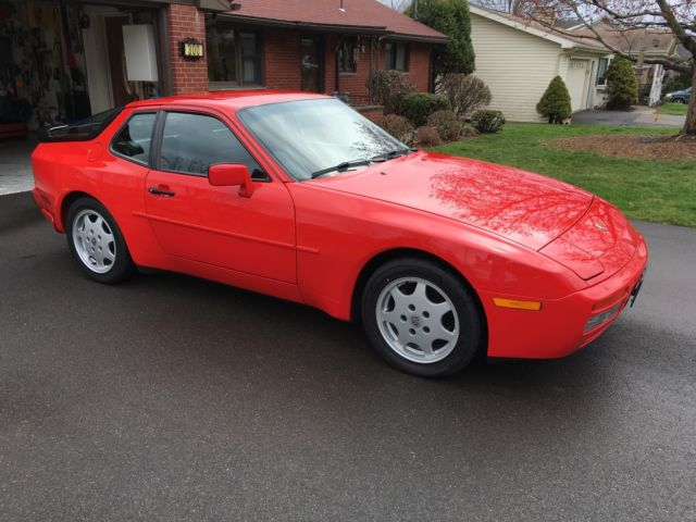 1991 Porsche 944 2 door Coupe