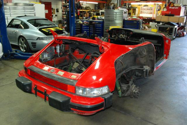 Porsche 911 87 Carrera G50 Speedster Chassis Oil System