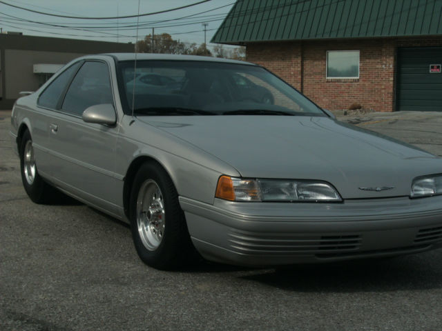 1991 Ford Thunderbird Base