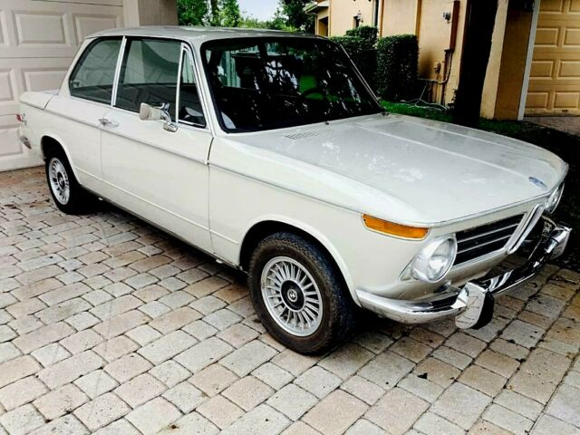 1971 Desert Sand BMW 2002 Coupe with Saddle interior