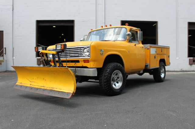 1975 International Harvester Other 1975 INTERNATIONAL B-200 4X4 PICKUP