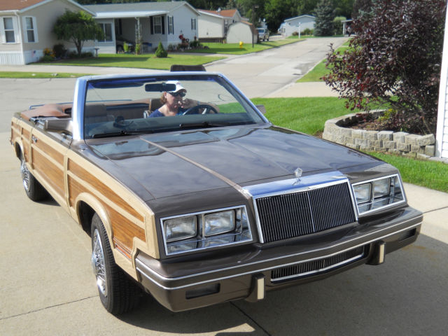 1984 Chrysler LeBaron Town & Country Mark Cross Edition