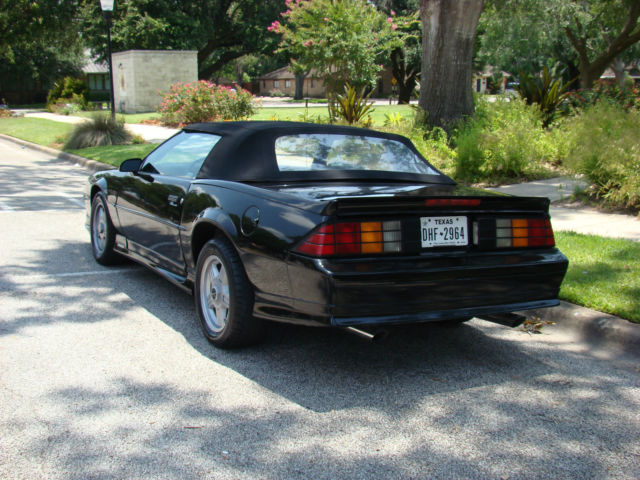 rare 1991 chevy camaro z28 convertible for sale photos technical specifications description. Black Bedroom Furniture Sets. Home Design Ideas