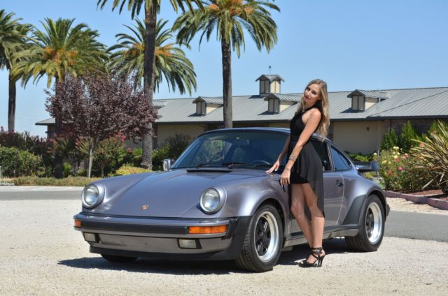1985 Porsche 911 Carrera Coupe 2-Door