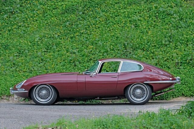 1967 Jaguar E-Type Series 1 FHC 4.2 - Only 14k Miles(!) - Rare Color