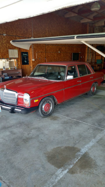 1974 Mercedes-Benz 200-Series 230i