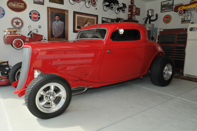 1933 Ford 3 Window HiBoy Coupe