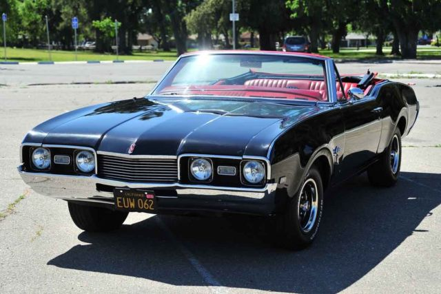 1968 Oldsmobile Cutlass Supreme Convertible