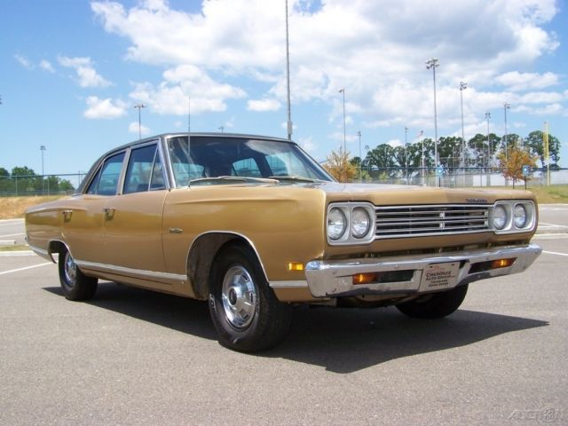 1969 Plymouth Satellite 4-DOOR 318 V8 5.2L 4BBL DUAL EXHAUST AC AUTOMATIC