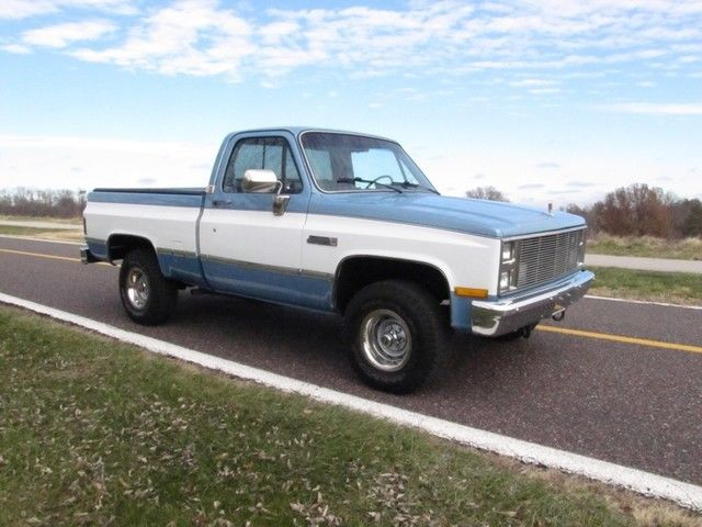1986 GMC Sierra 1500 K10 4x4 incredible condition 350 V8 A/C