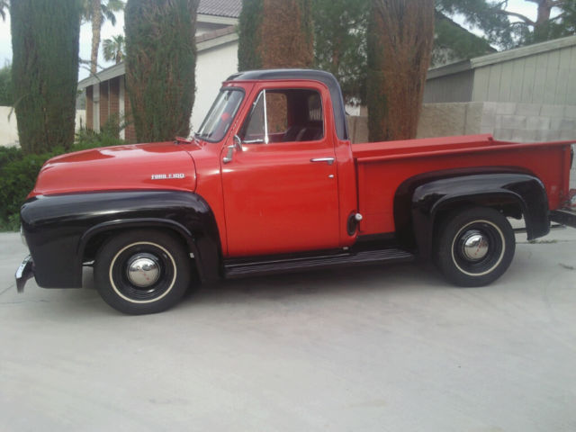 1954 Ford F-100 Pick Up
