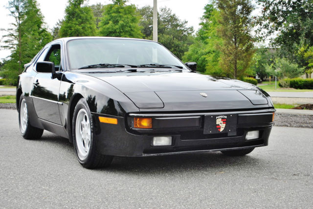 1986 Porsche 944 Breath takeing low miles 944 books records mint