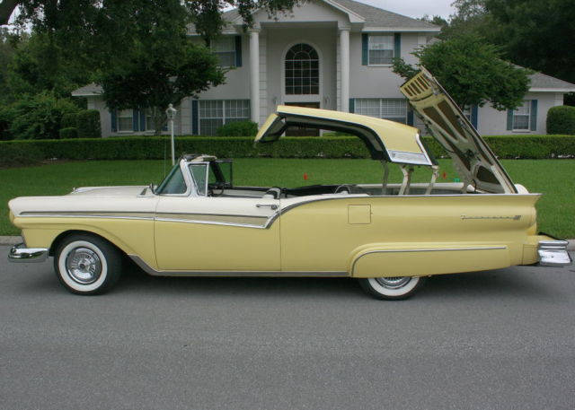 1957 Ford Fairlane SKYLINER RETRACTABLE - A/C