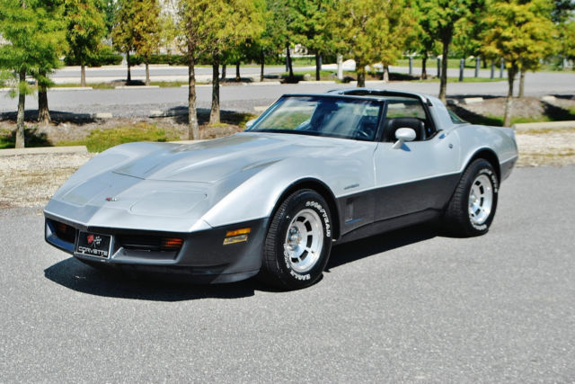 1982 Chevrolet Corvette just 64ks and simply beautiful in evryway.