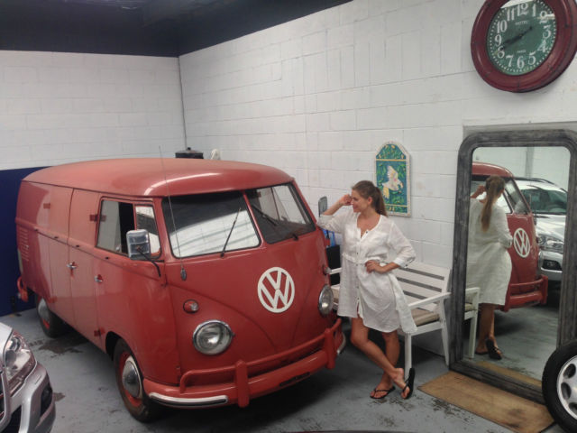1961 Volkswagen Bus/Vanagon RED
