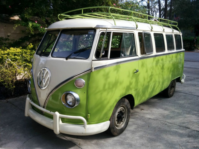 1974 Volkswagen Bus/Vanagon 15 window bus
