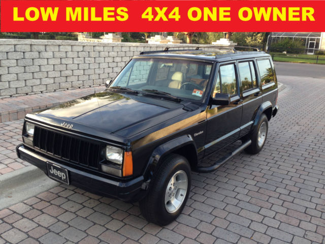 1993 Jeep Cherokee 4X4 LOW MILES ACCIDENTS FREE SMOKE FREE RUN STRONG